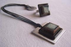 Collier carré inox et céramique noire - Bague assortie