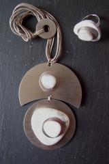Création originale - Collier double lune/rond inox céram. blanc - Bague assortie